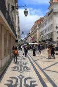 Rua Augusta shopping handlegate hovedgate Lisboa Portugal
